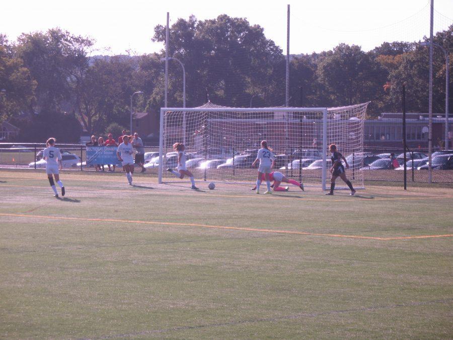 Girls+soccer+crushes+Elizabeth+8-0