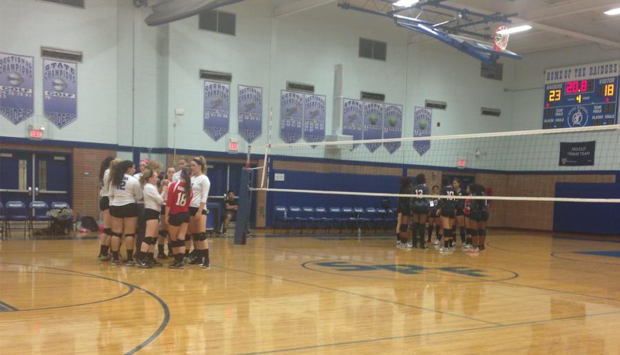 Raiders+Volleyball+Defeats+Elizabeth