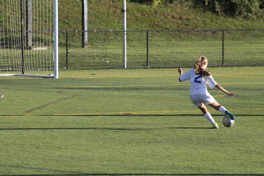 Girls+soccer+defeats+Oak+Knoll+3-0