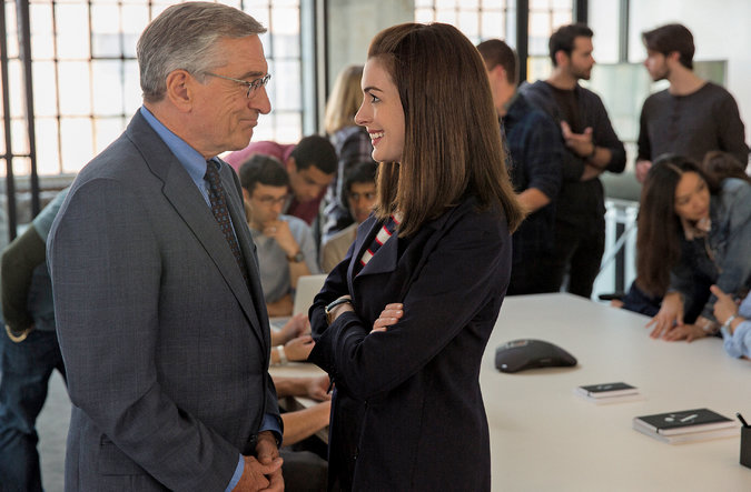 """The Intern"" warms hearts with charming friendship"