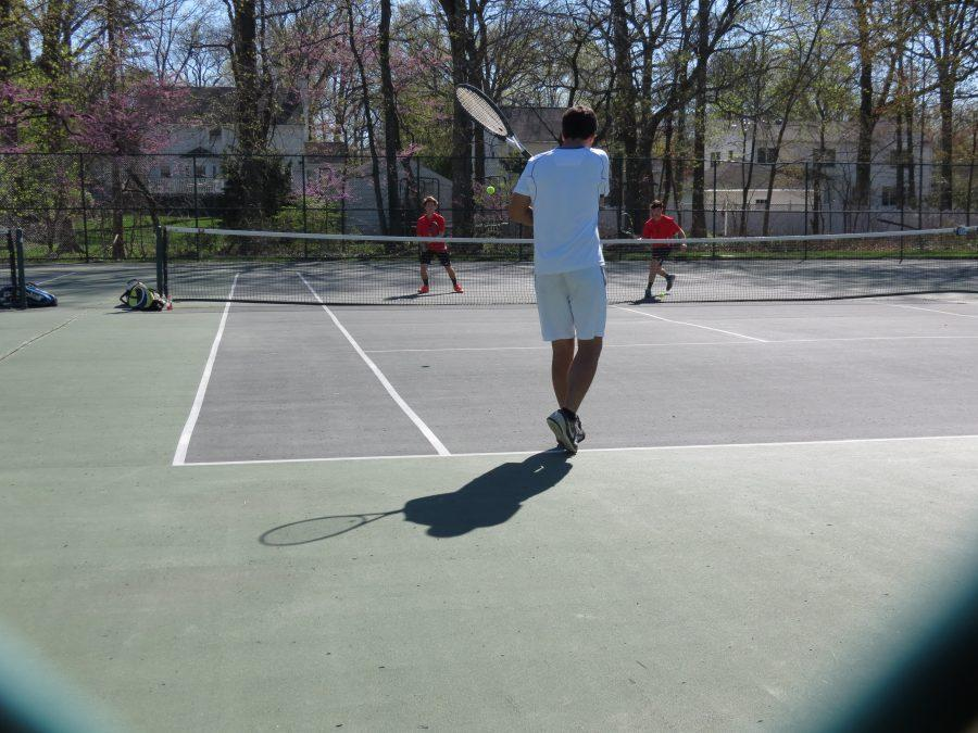 Boys Varsity Tennis takes loss against Columbia