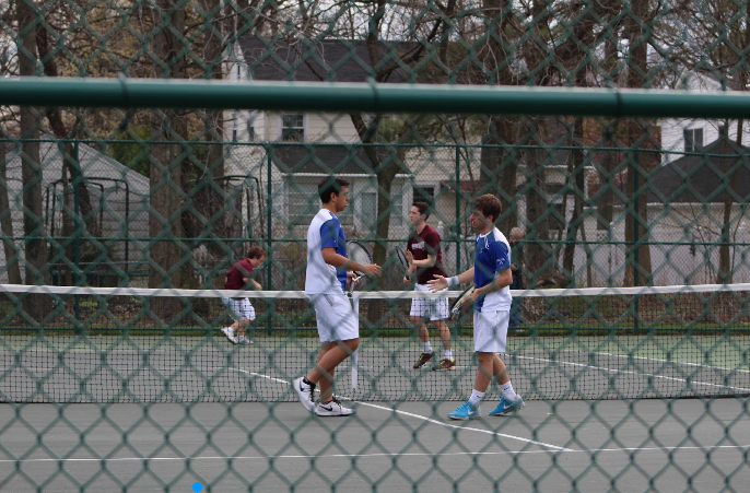 Boys+Varsity+Tennis+loses+match+to+Summit