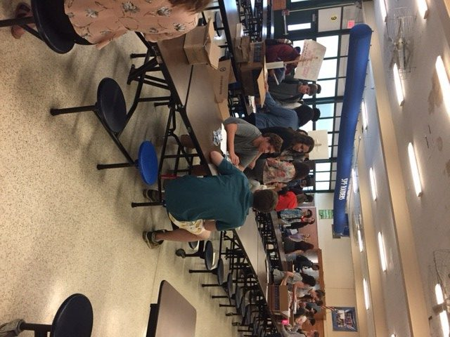 Seniors prepare for graduation on senior swag day