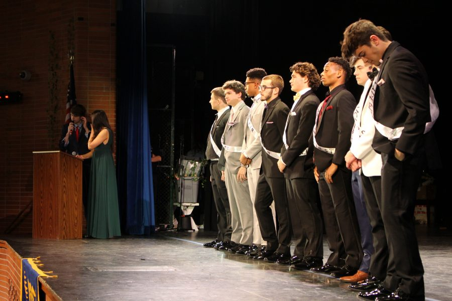 DECA+holds+annual+Mr.+Spiffy+High+competition