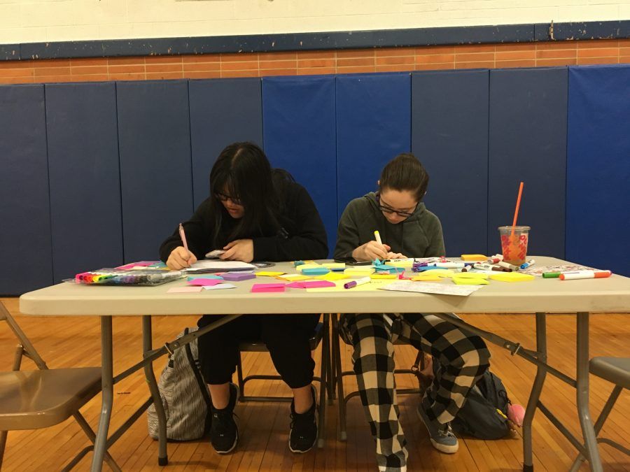 Students relieve stress at De-Stress Fest