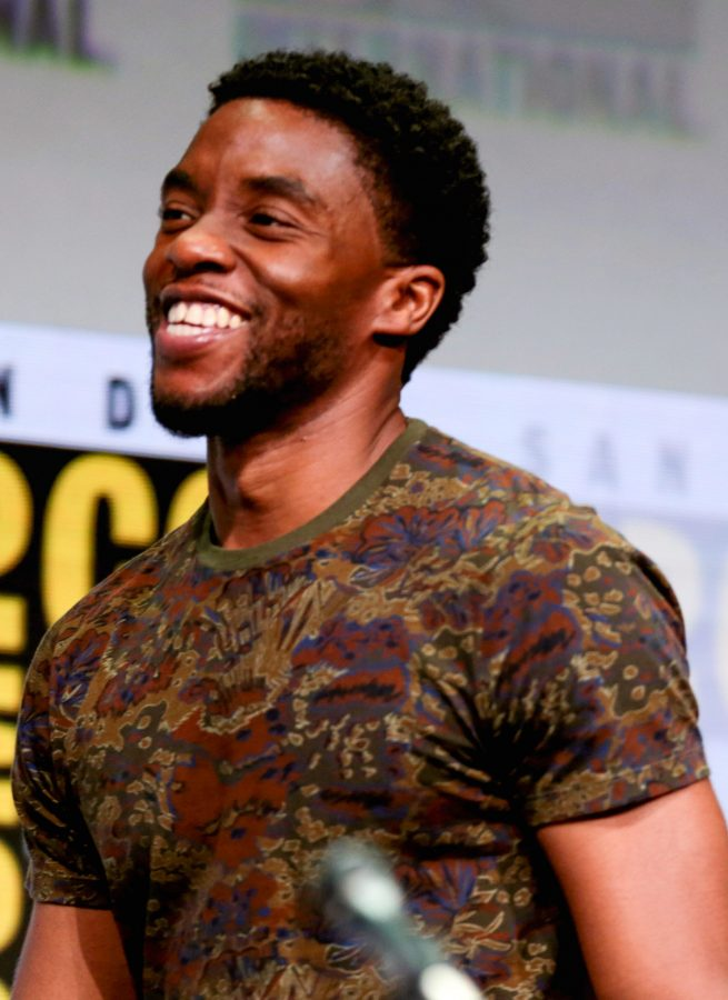 Chadwick+Boseman+at+Diego+Comic+Con.+He+played+many+major+film+roles%2C+including+the+role+of+T%E2%80%99Challa+from+Black+Panther+and+Jackie+Robinson+from+42.+Photo+courtesy+of+Gage+Skidmore%2FCreative+Commons%2FWikimedia+Commons